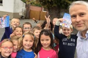 Photo avec les enfants de l'école