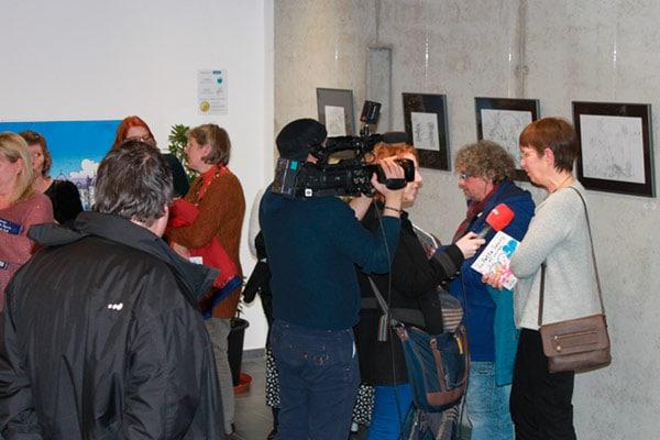 De nombreux visiteurs lors de l'inauguration et tout au long de l'exposition