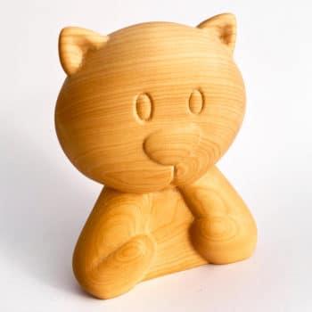 Chat en bois sculpté