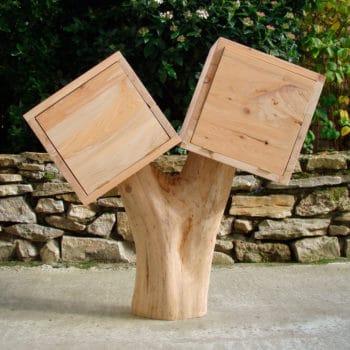 Meuble avec un tronc d'arbre