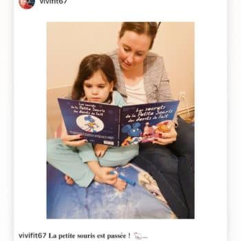 Maman qui lit avec sa fille